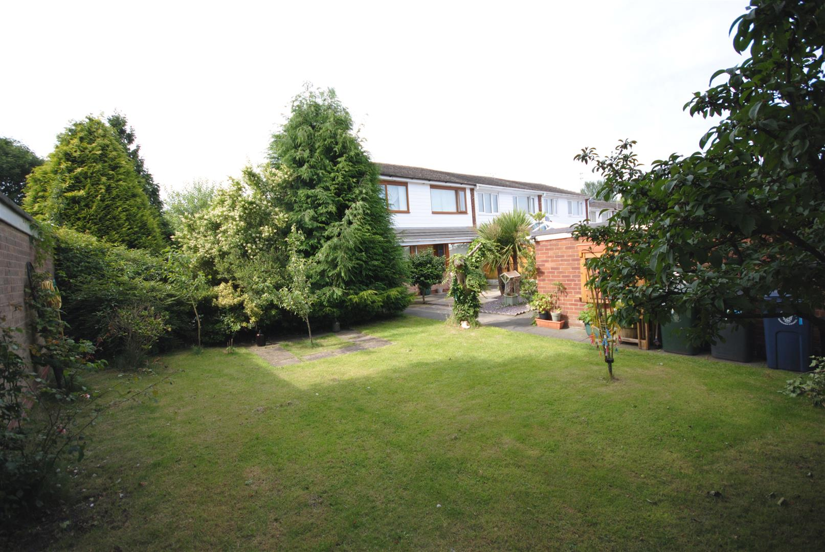 3 Bedrooms Semi Detached House for sale in Millbrook Close, Skelmersdale